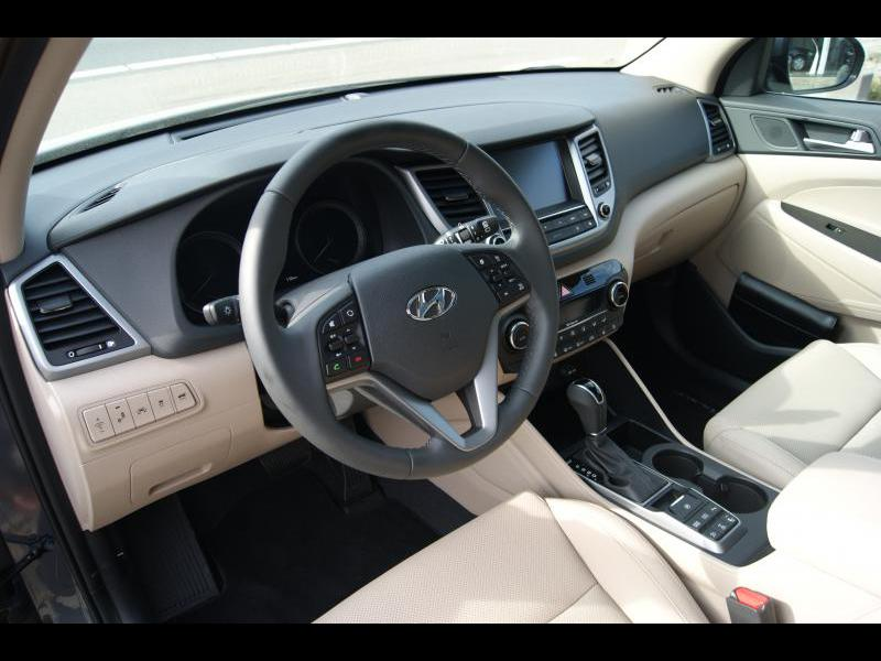 Hyundai tucson executive beige interieur 0 km nl for Interieur hyundai tucson